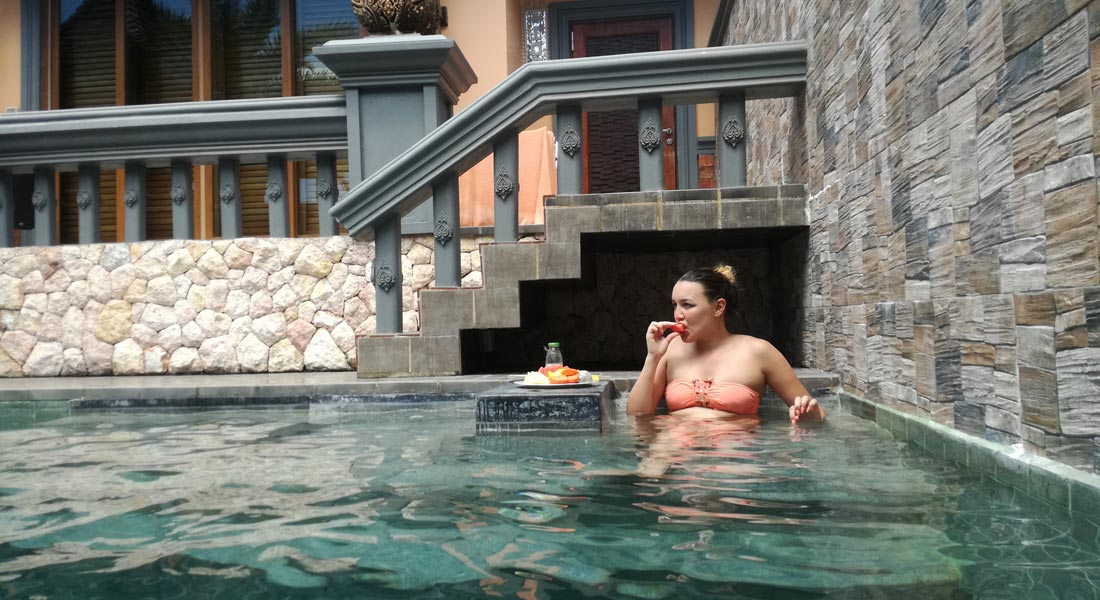 eating in the swimming pool